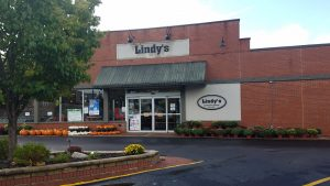 Lindy's Market Washington IL by FlowerChick.com