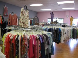 Castaways Consignment Peoria IL by FlowerChick.com