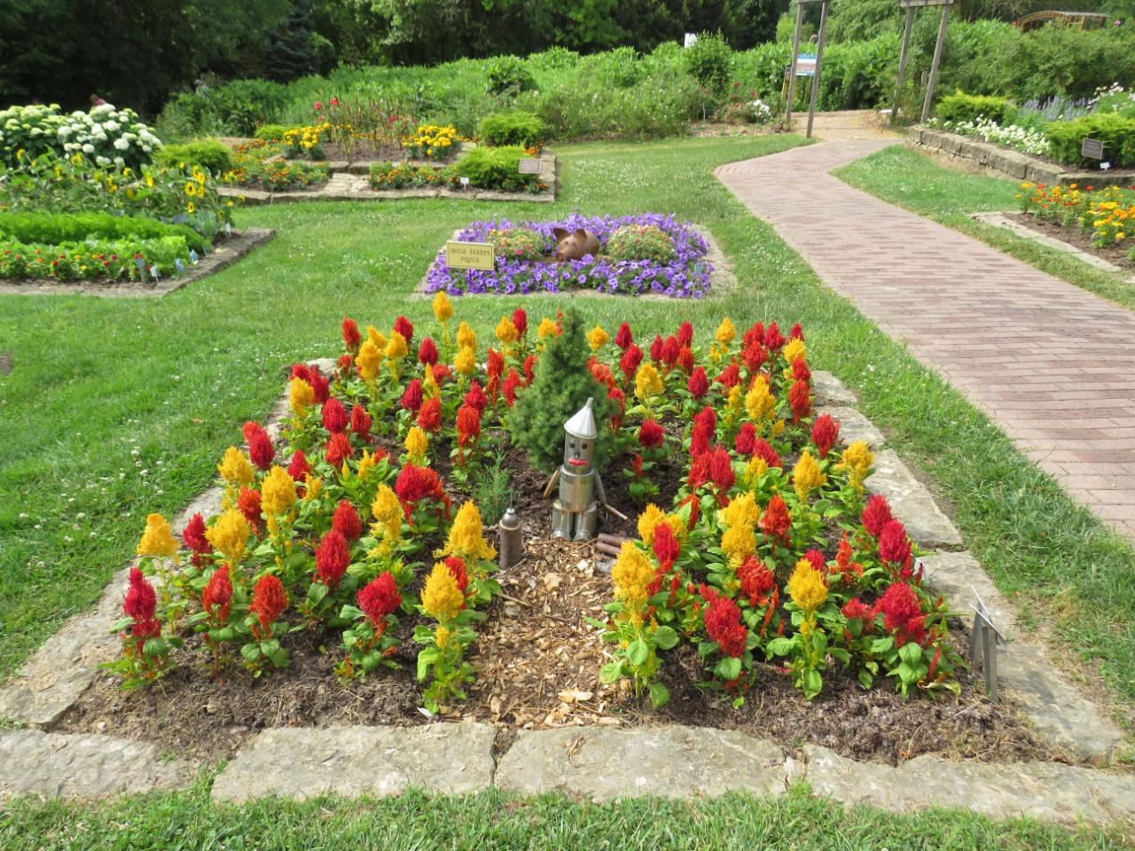 Dubuque Arboretum and Botanical Gardens by FlowerChick.com