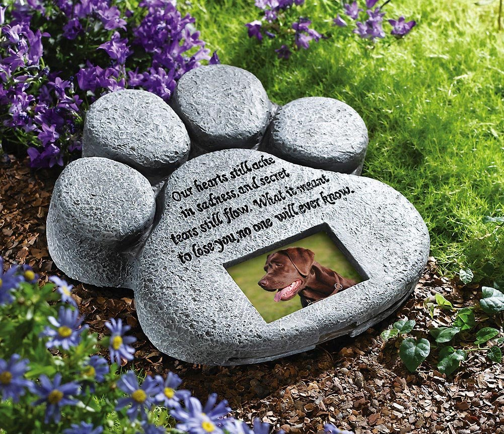 Creating a Memory Garden in HOnor of a Pet by FlowerChick.com