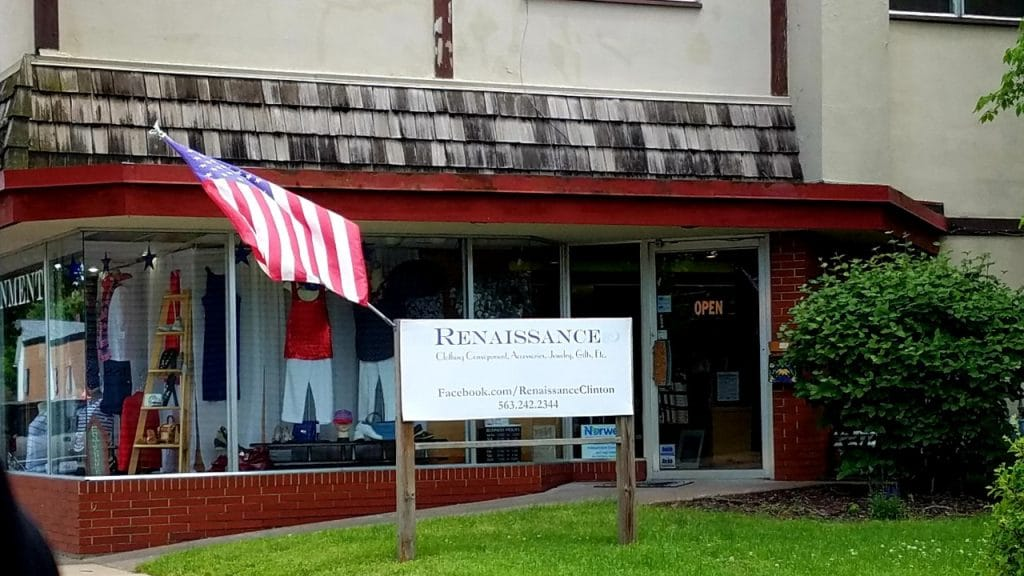 Renaissance Resale Shop in Clinton Iowa by FlowerChick.com