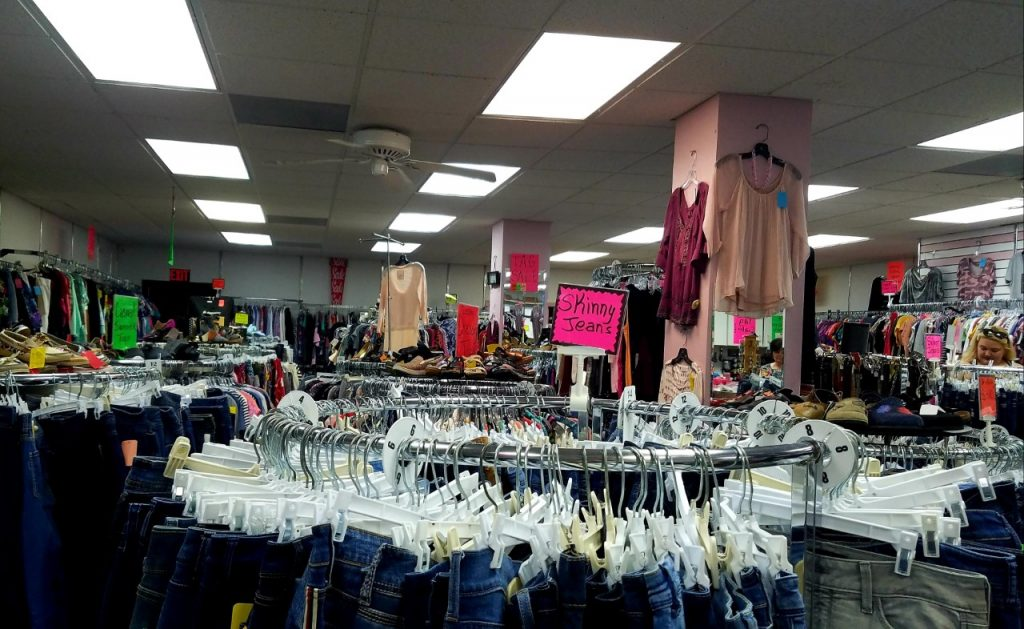 Dolores' Resale Burlington IA by FlowerChick.com