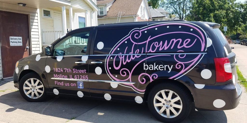 Olde Towne Bakery by FlowerChick.com