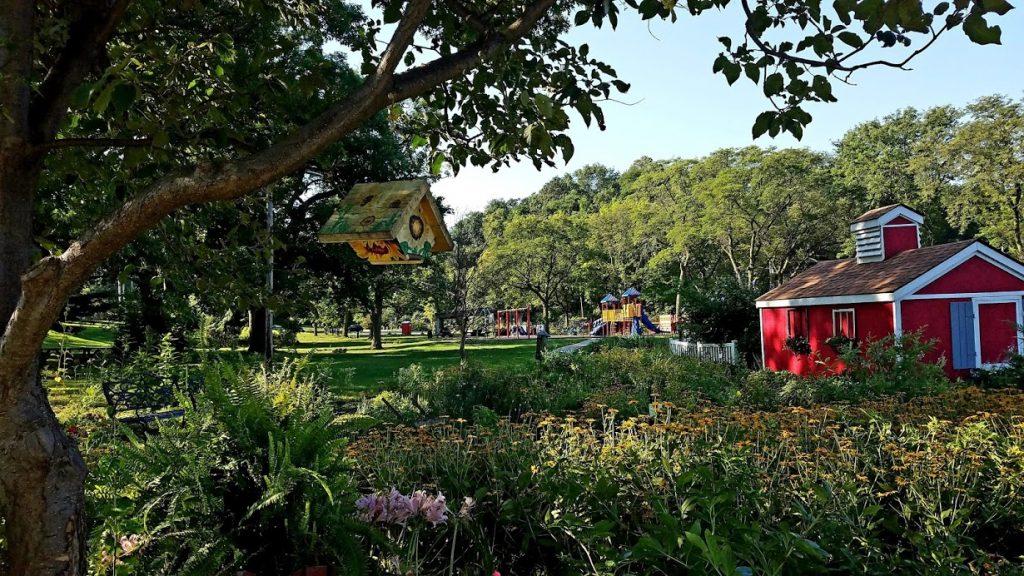 Riverside Park Community Gardens by FlowerChick.com