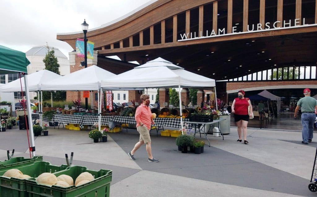 Valparaiso Market by FlowerChick.com