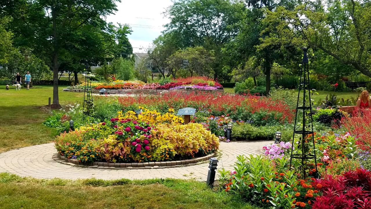 Ogden Park Gardens in Valparaiso by FlowerChick.com
