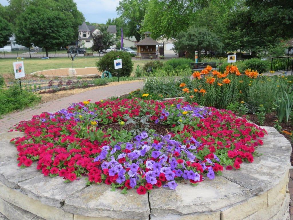 Central Gardens Clear Lake Iowa