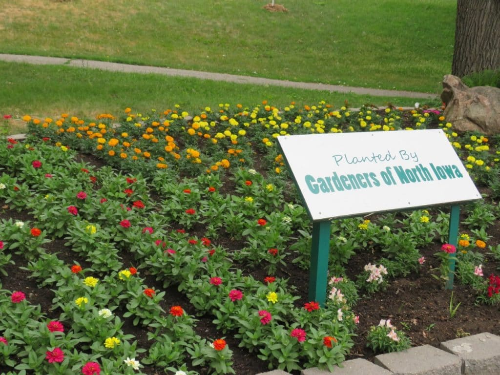 Iowa Gardens Mason City East Park by FlowerChick.com