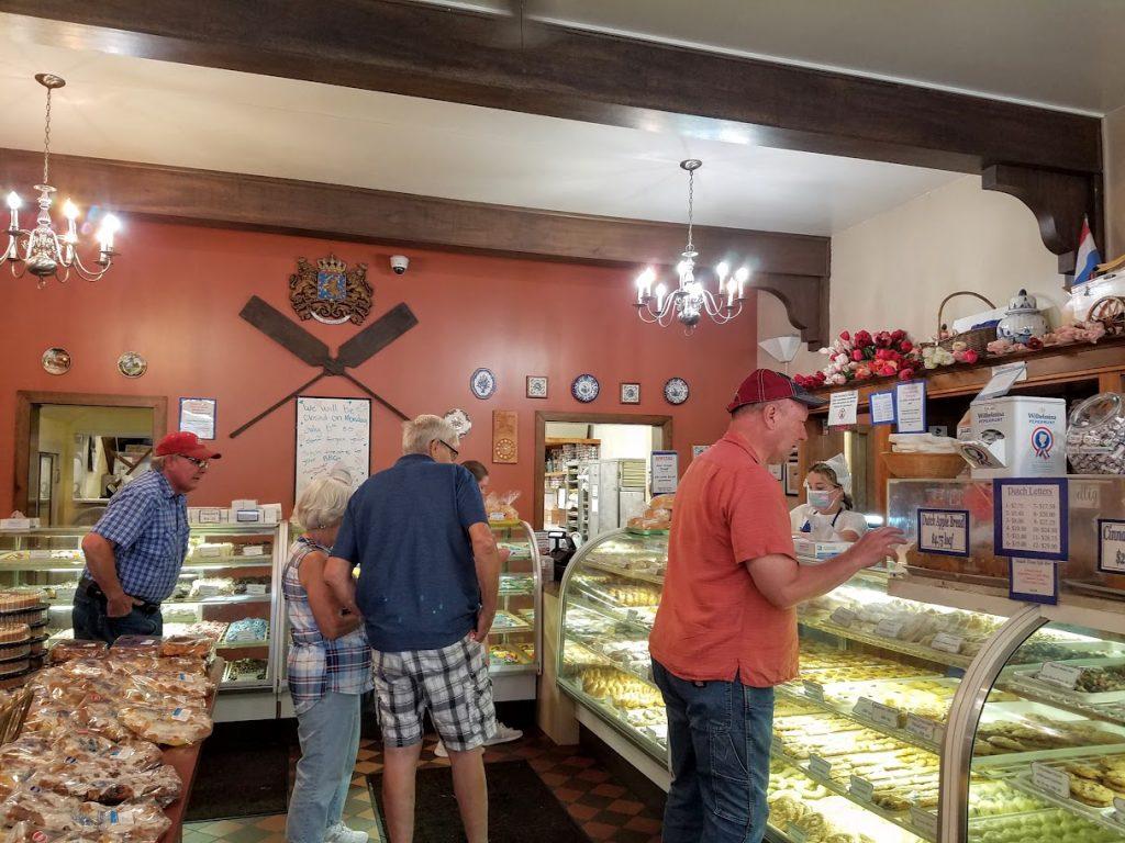 Jaarsma's Bakery Pella Iowa by FlowerChick.com