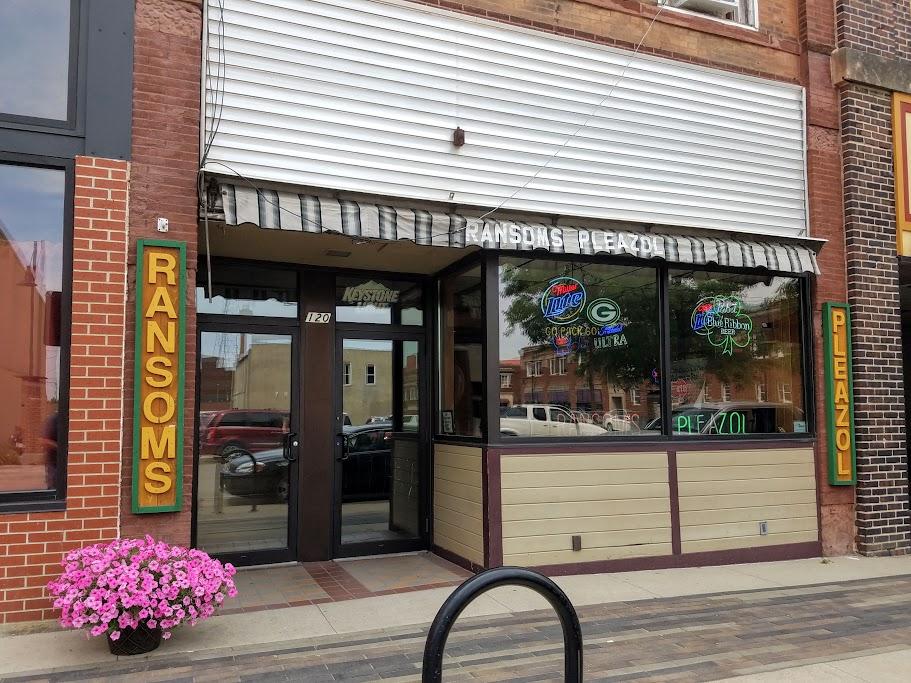 Ransom's The Oldest Bar in Mason City, Iowa by FlowerChick.com