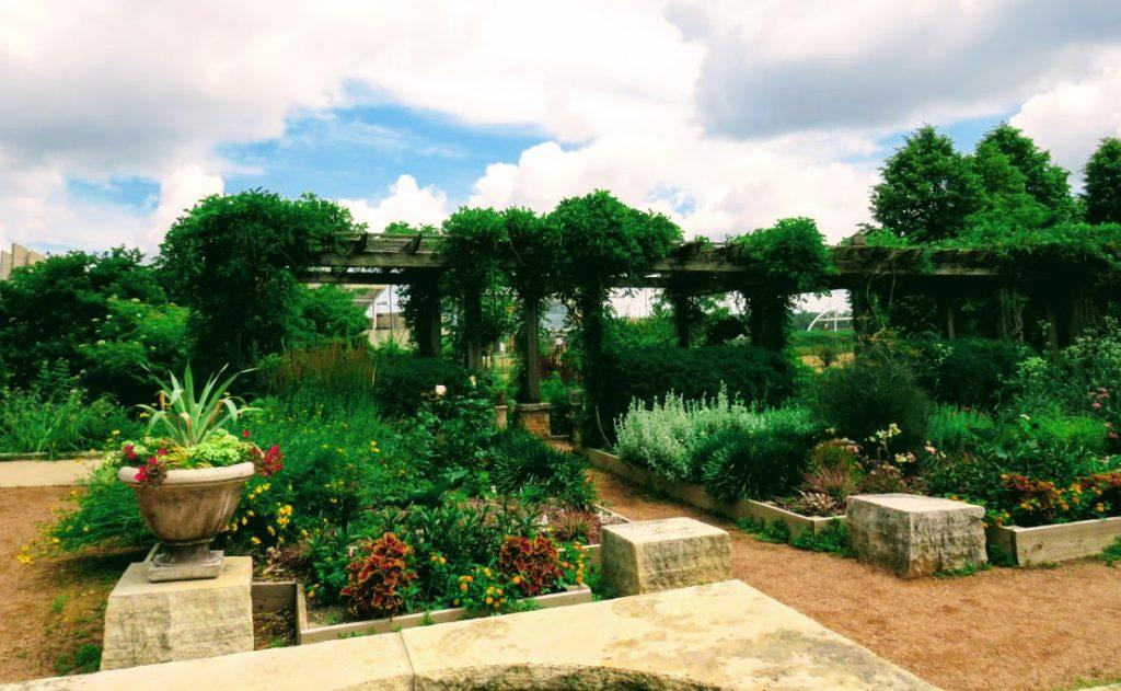 Reiman Gardens, Ames Iowa by FlowerChick.com