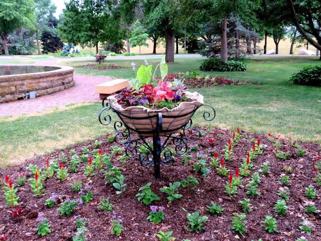 Gardens of Minnesota by FlowerChick.com