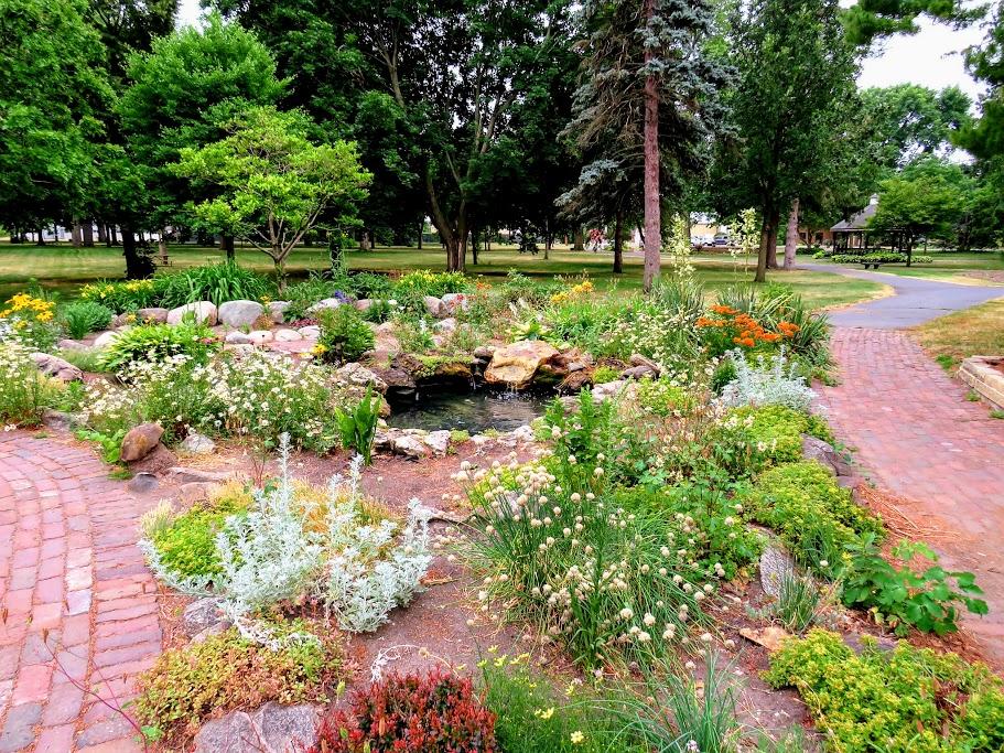 Sibley Park Mankato by FlowerChick.com