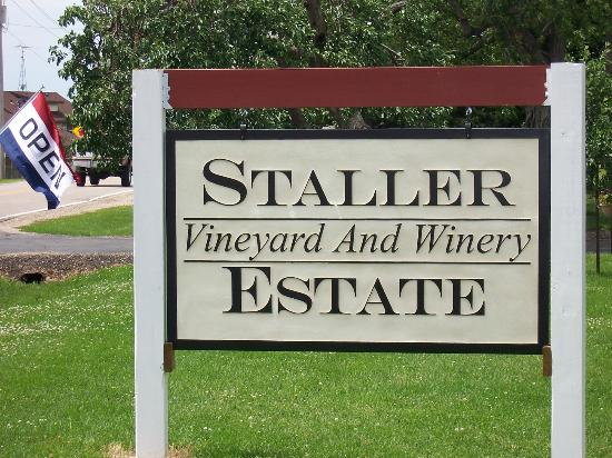 Staller Winery by FlowerChick.com