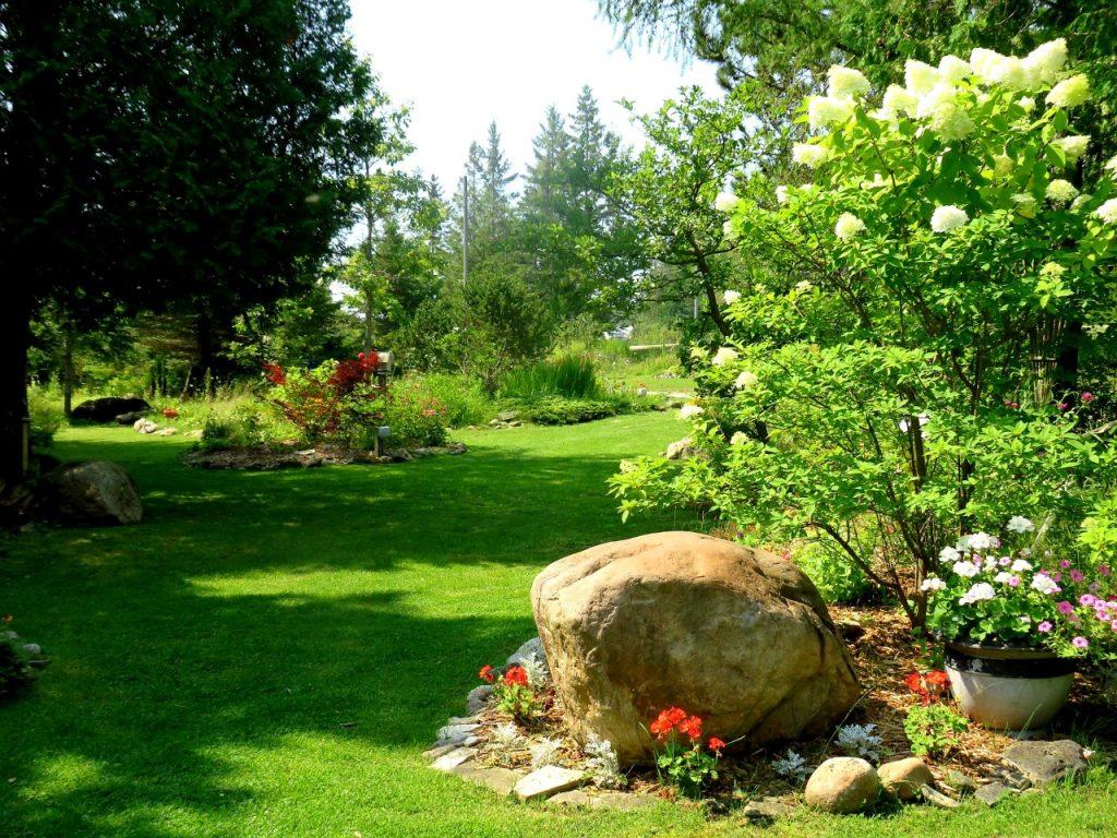 De Tour Botanical Gardens by FlowerChick.com