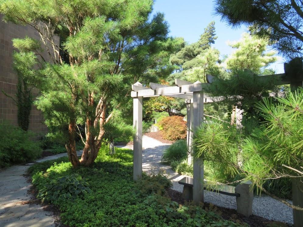 Lansin Area Gardens by FlowerChick.com